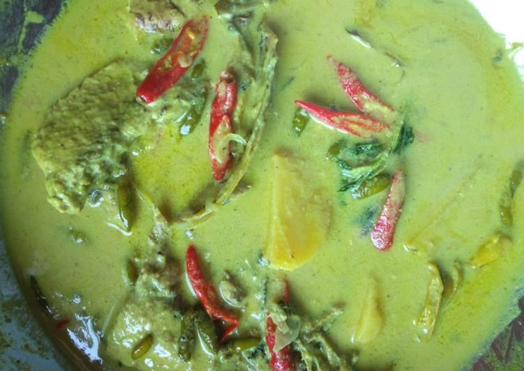 Resep: Gulai pangek masin kepala ikan tongkol khas minangkabau yang menggugah selera