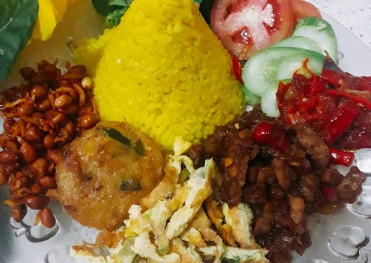 Resep: Nasi kuning gurih magic com lezat