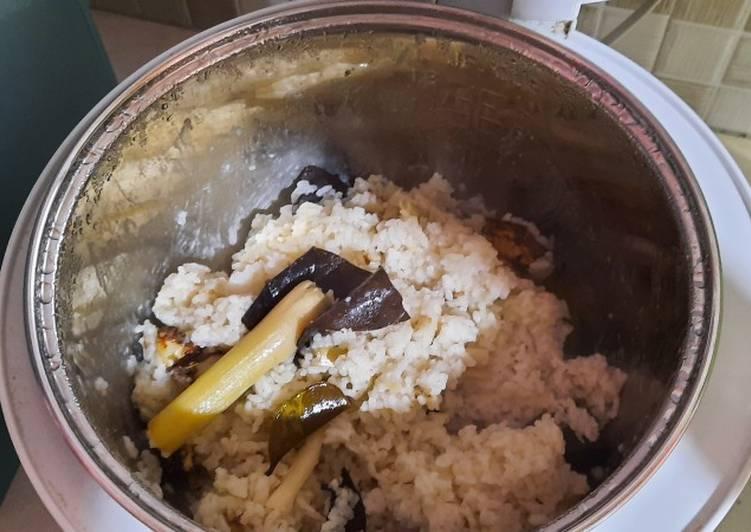Resep: Nasi Gurih Rice cooker istimewa