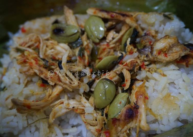 Cara Mudah membuat Nasi Bakar Ayam Kemangi yang menggoyang lidah