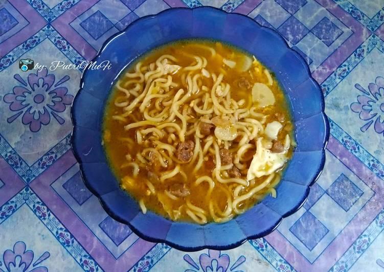 Resep mengolah Indomie kuah rasa soto Padang