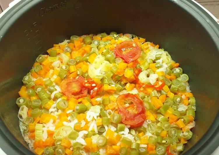 Resep membuat Nasi gurih tomat ala resto