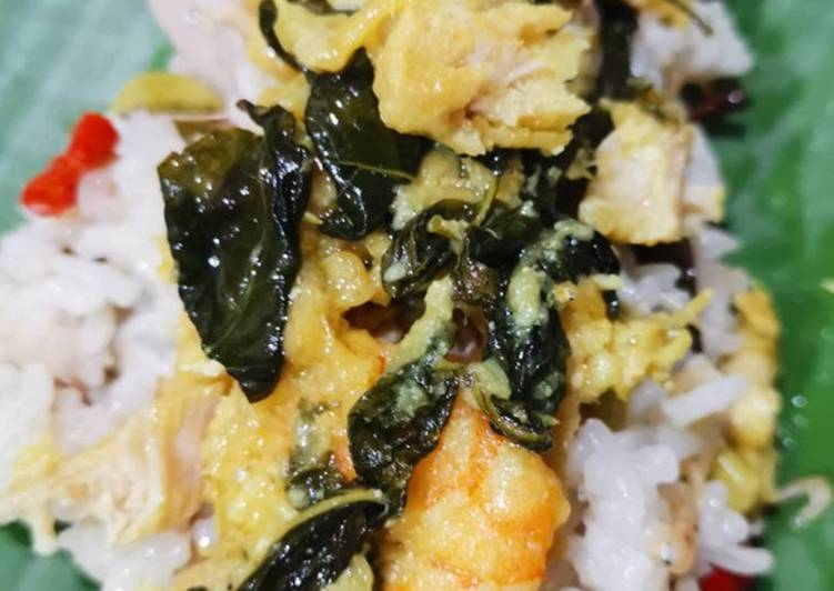 Cara memasak Nasi bakar ayam udang kemangi enak
