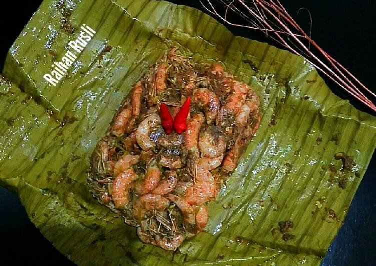 Payeh Udeng/ Pepes Udang