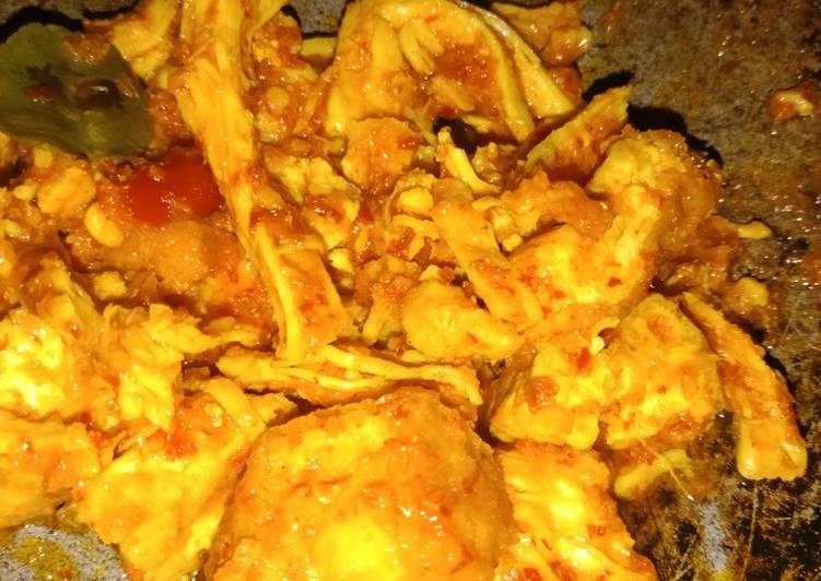 Cara mengolah Ayam suwir nasi bakar yang menggugah selera