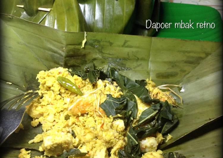 Cara membuat Pepes udang, tempe tahu, daun ubi plus kincung ala resto