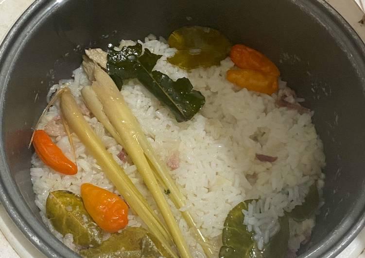 Resep: Nasi Liwet Gurih Rice Cooker (Video) yang menggoyang lidah