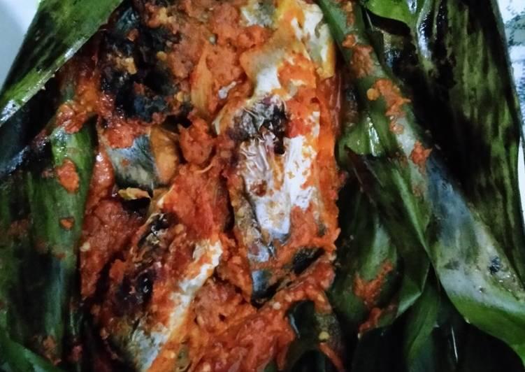 Resep: Brengkes / pepes cabe bawang yang menggugah selera