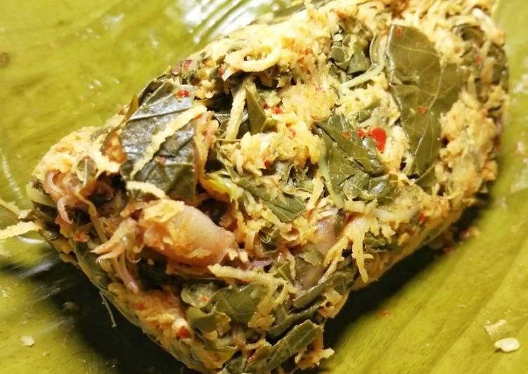 Resep memasak Brengkes daun singkong dan baby cumi