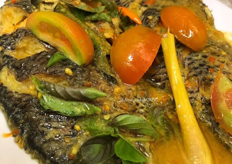 Cara membuat Brengkes Ikan Mujair (tanpa daun) ala resto