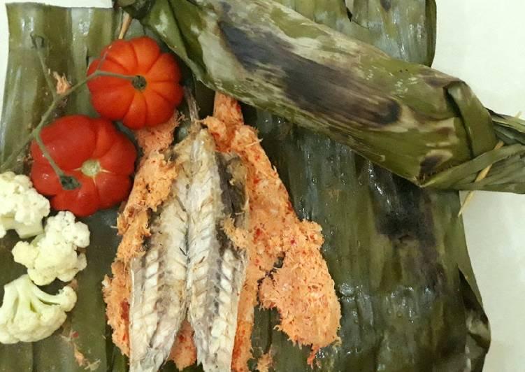 Resep memasak Brengkes pindang / Pepes ikan salem sedaaapp yang menggugah selera