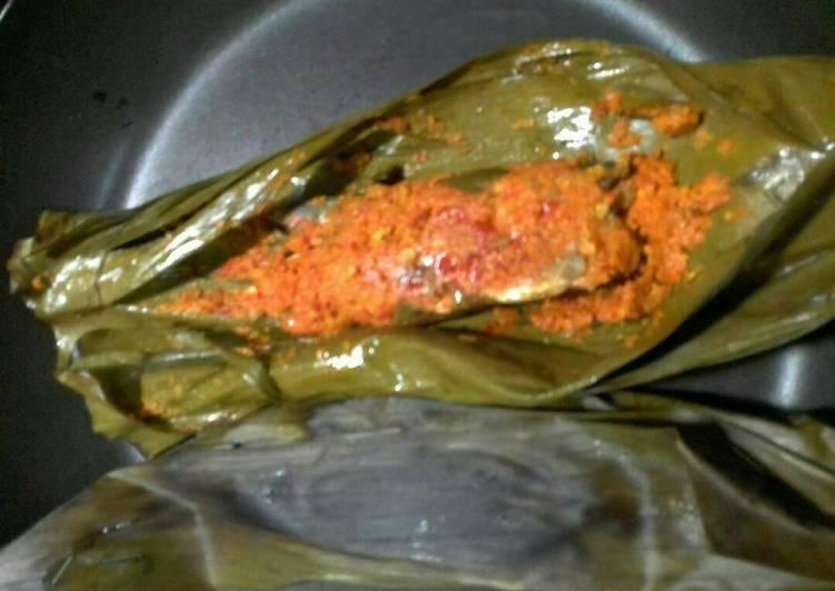 Resep memasak Brengkes/pepes ikan pindang yang bikin ketagihan