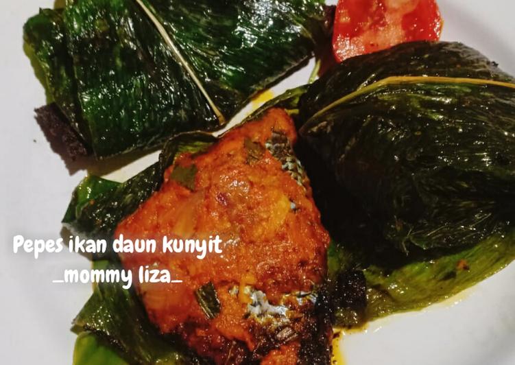 Resep memasak Pepes ikan daun kunyit yang bikin ketagihan