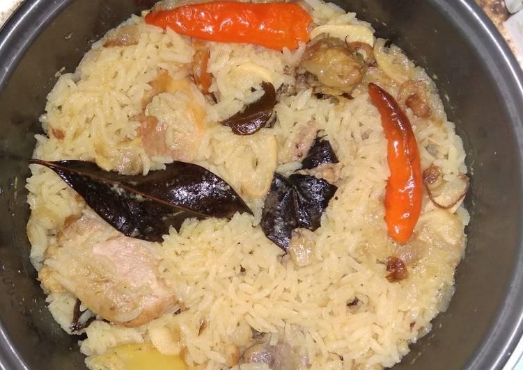 Cara membuat Nasi gurih ayam rempah yang menggugah selera