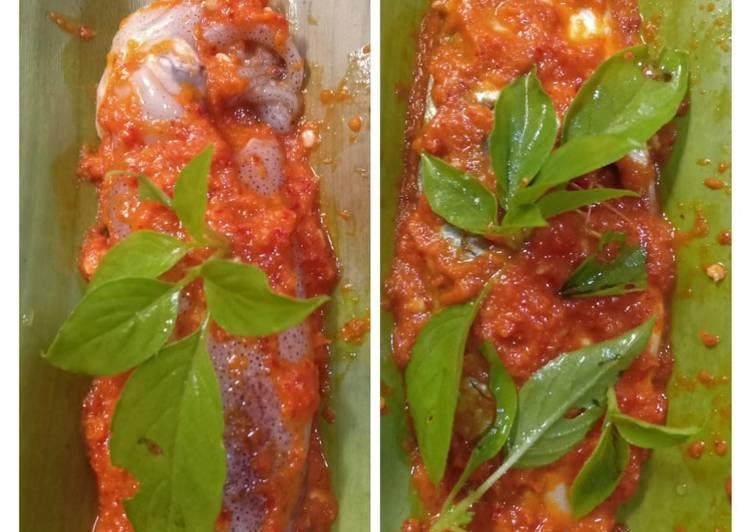 Resep mengolah Pepes ikan kembung & cumi pedas istimewa